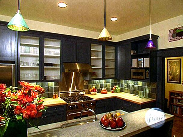 94550_02_Dark-Cabinets