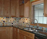 Ecofriendlyflooring_circleglassbacksplash